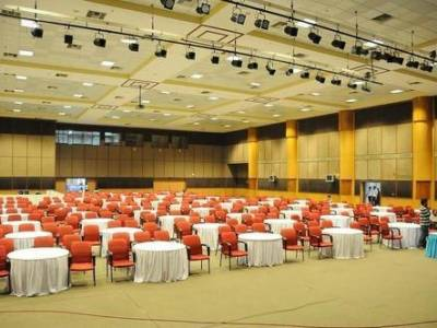 How to Hold Successfully a Industry Summits?